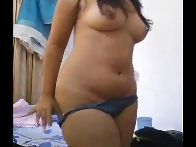 Beautiful indian college girl Kajol shows nude to her boyfriend