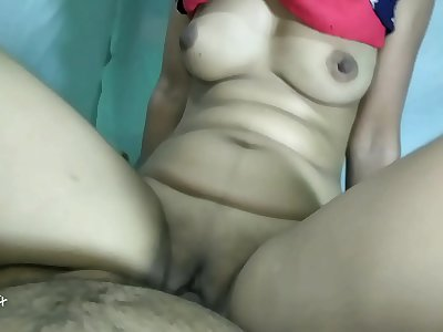 Indian Desi bhabi ko store room me Choda Indian Desi video