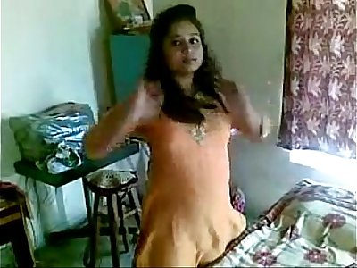 Desi Girl Exposed nude for first time
