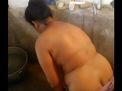 desi mom striping for bath